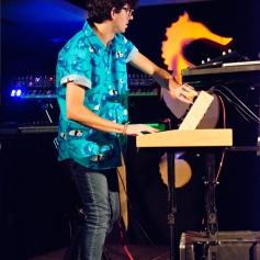 Luis - Entertainiment - Live
